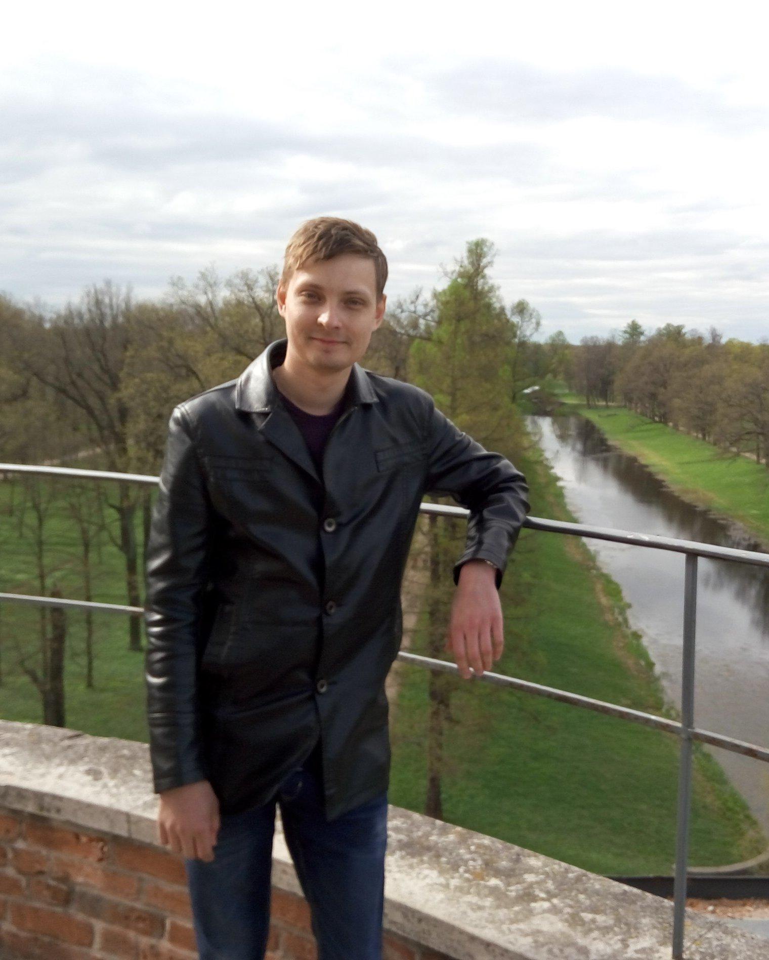 Кирилл. Разработчик-1С